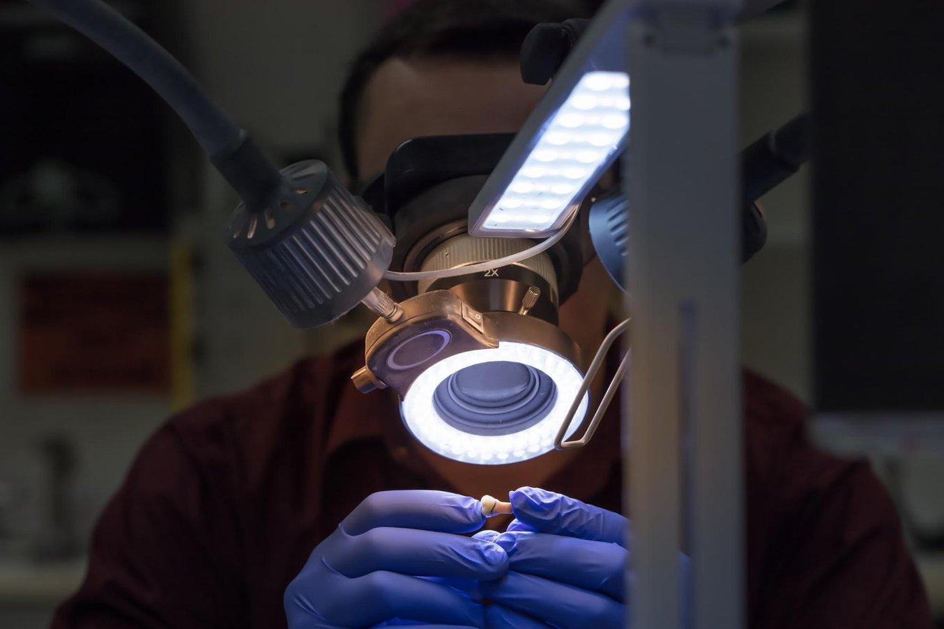 I modelli di moncone sfilabile stampati in 3D sono simili ai modelli tradizionali utilizzati per il controllo dell'aderenza delle protesi finali.