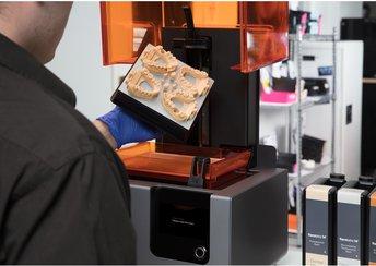 surligner l'image pour L'impression 3D enseignée à l'Académie d'Art Dentaire de Paris.