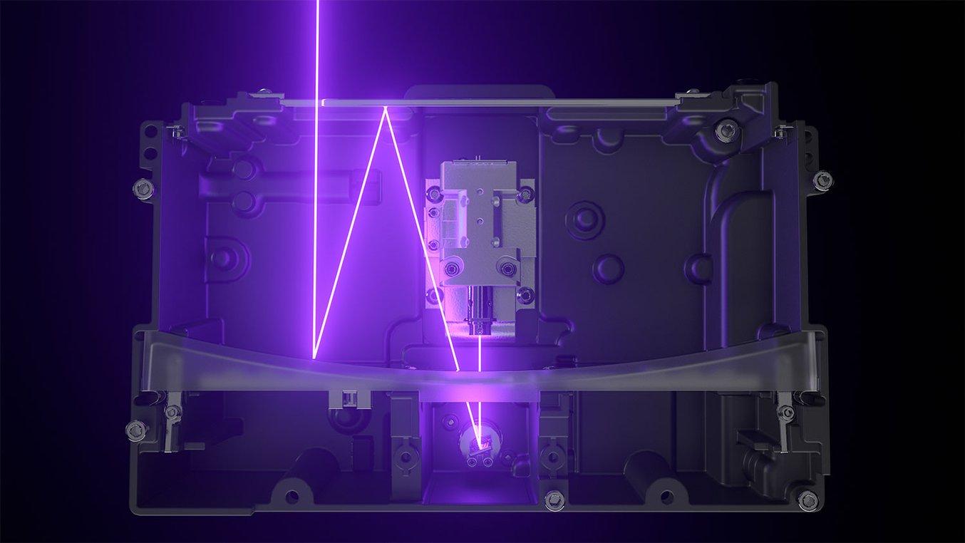 La Light Processing Unit (LPU) all'interno della Form 3B contiene un sistema di lenti e specchi che assicurano un punto laser preciso e uniforme.